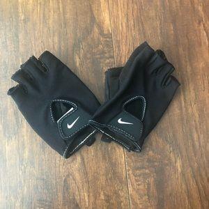 NIKE exercise gloves